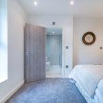 Cliff Oaks double bedroom ensuite bathroom
